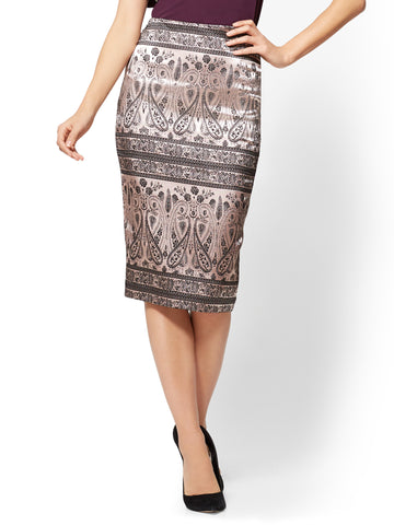 Jacquard Pull-On Pencil Skirt in Pink Honeybunch