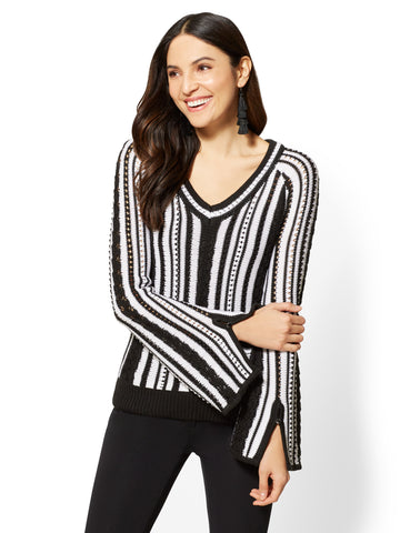 7th Avenue - V-Neck Sweater - Black & White Stripe in Black