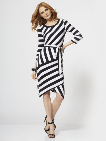 30393ce58f3 NEW YORK   COMPANY Black   White Stripe Sheath Dress in Black White