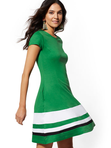 Colorblock Fit and Flare Cotton Dress in Luscious Green