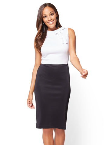 Bow-Accent Colorblock Sheath Dress in Black