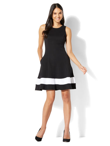 Cotton Colorblock Sleeveless Fit & Flare Dress in Black
