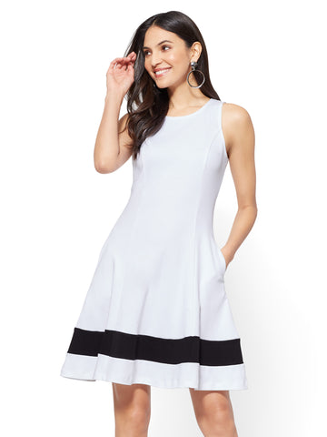 Cotton Colorblock Sleeveless Fit & Flare Dress in Optic White