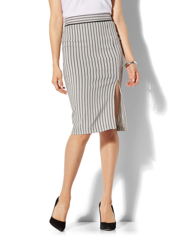 7th Avenue - Front Slit Pencil Skirt - Modern - Stripe in Black & White