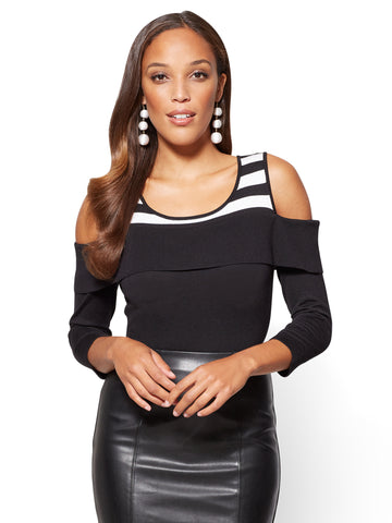 7th Avenue - Off-The-Shoulder Sweater in Black & White