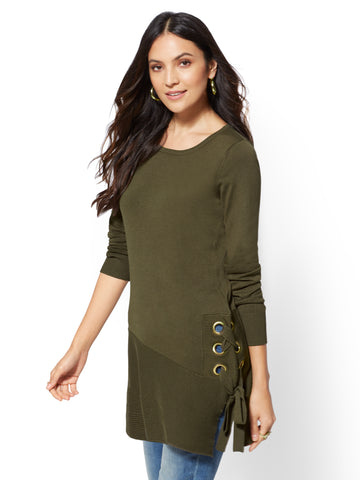 9f1df586bb NEW YORK   COMPANY Grommet Lace-Up Tunic Sweater in Woodland Green