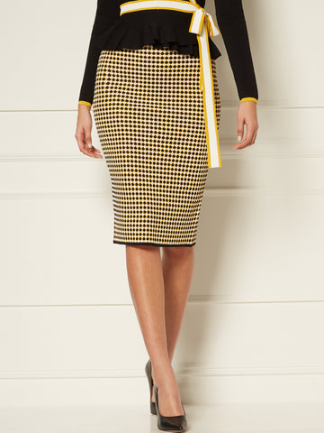 Calla Sweater Skirt - Eva Mendes Collection in Black/White