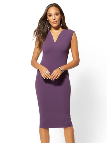 2098cfe5466 NEW YORK   COMPANY 7th Avenue - V-Neck Sheath Dress in Posh Plum