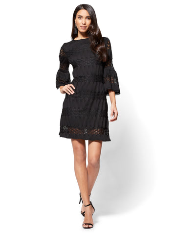 7th Avenue Textured Lace Shift Dress in Black