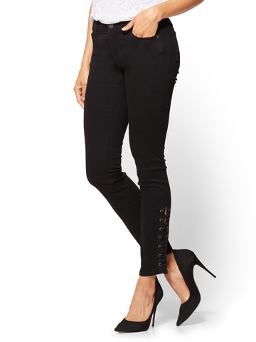 Soho Jeans - Lace-Up Legging - Black in Black