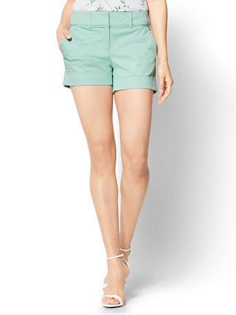 7th Avenue - 4 Inch Short - Signature in Creamy Mint
