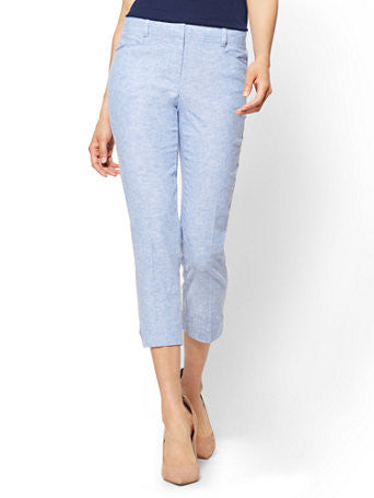 7th Avenue Pant - Crop Straight Leg Signature in Light Blue
