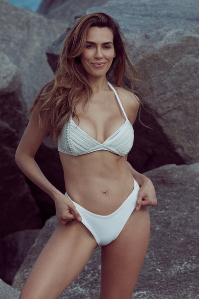 THE ONLY ONE  WHITE| TRIANGLE BIKINI SET