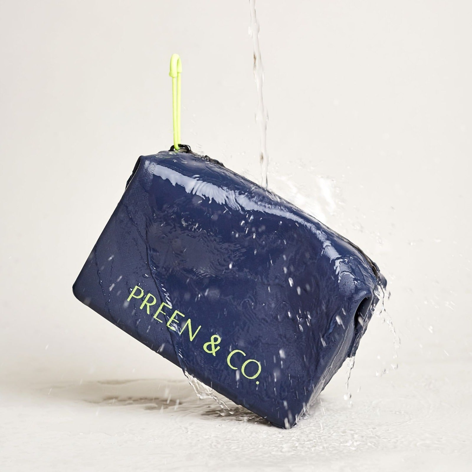 PRE ORDER- Hydro Seal Toiletry Case in Midnight Blue - PREEN&Co