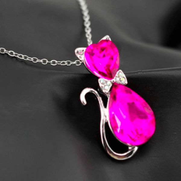 Austrian Crystal Cat Necklace pink