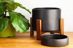Beluga Sonder Planter in Midnight