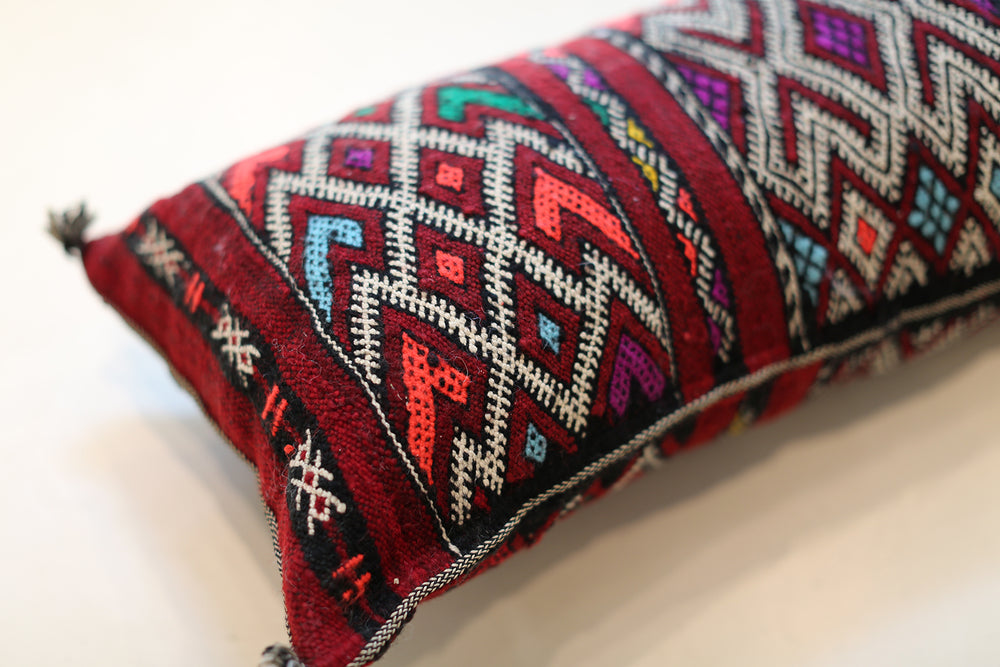 Load image into Gallery viewer, Vintage Moroccan Lumbar Pillow No. 5075