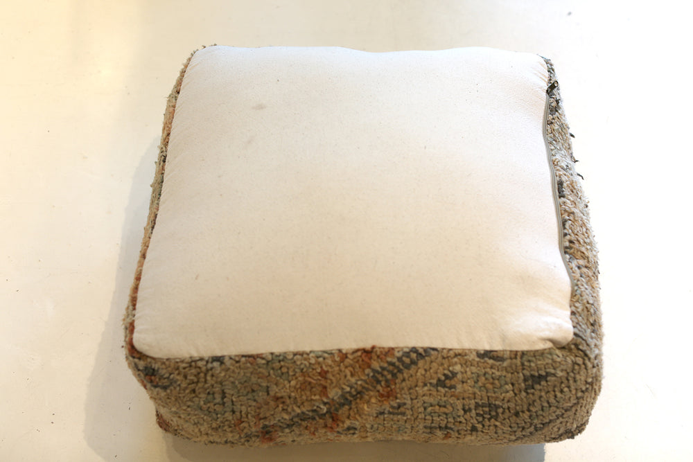 Load image into Gallery viewer, Vintage Moroccan Pouf No. 4079