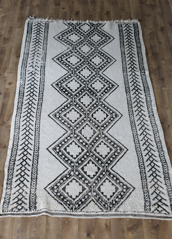Load image into Gallery viewer, Vintage Beni Ourain Rug No. 1022