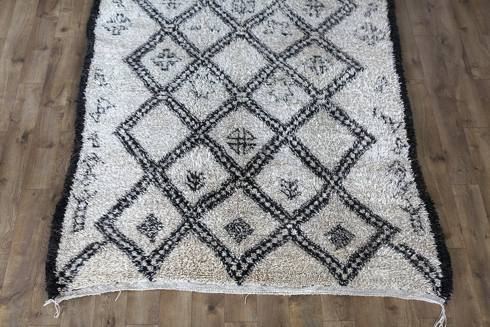 Load image into Gallery viewer, Vintage Beni Ourain Rug No. 1023
