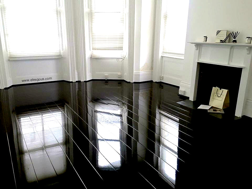 Elesgo Glamour Life Super Gloss Black Wood Laminate Floor