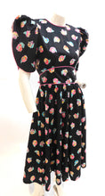 Load image into Gallery viewer, Vintage 1990s cotton floral dress with dramatic sleeves