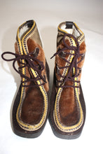 Load image into Gallery viewer, Vintage 1970s Italian fur/suede patchwork wallabee snow boots