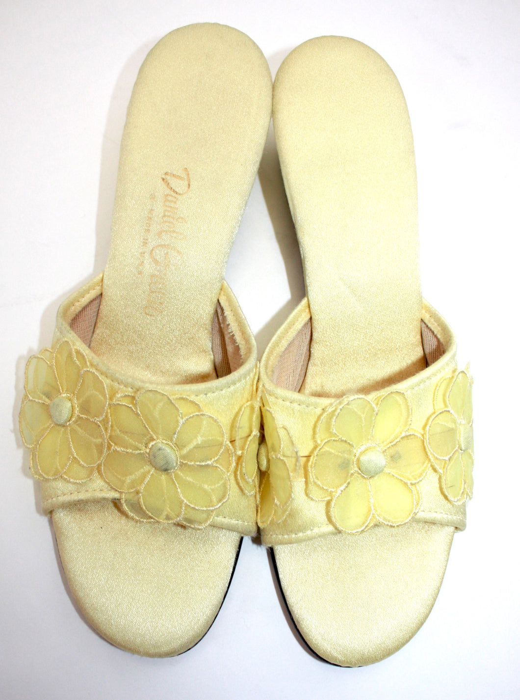 Yellow satin chiffon daisy lounge slip on