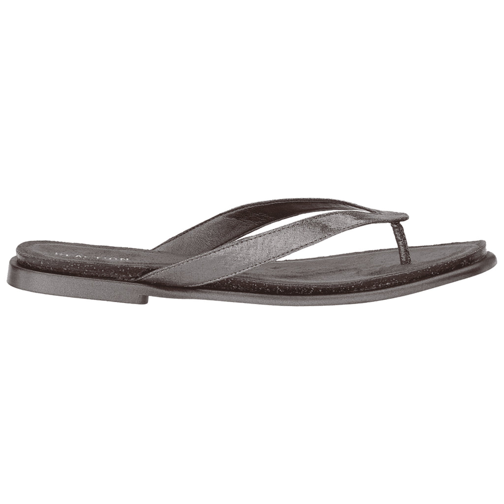 Kenneth Cole REACTION Women's Jel ing Flat Thong Sandal with Comfort Footbed Flip-Flop Style: RLS8064SO-BLK