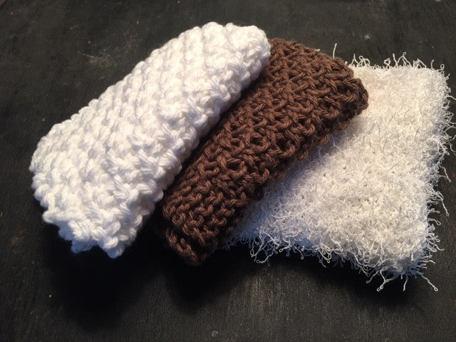 Hand-knit wash cloth