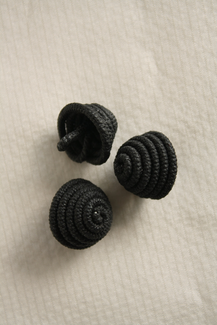 Couture Twirl Shank Buttons | 20mm | Black