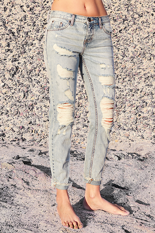 One Teaspoon Awesome Baggies Straight Leg Jeans with Blue Hart Wash