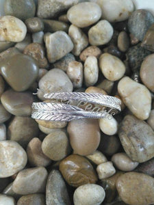 SS Feather Bangle