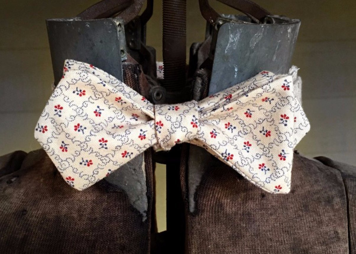 Cream Red Floral in Diamonds Bowtie