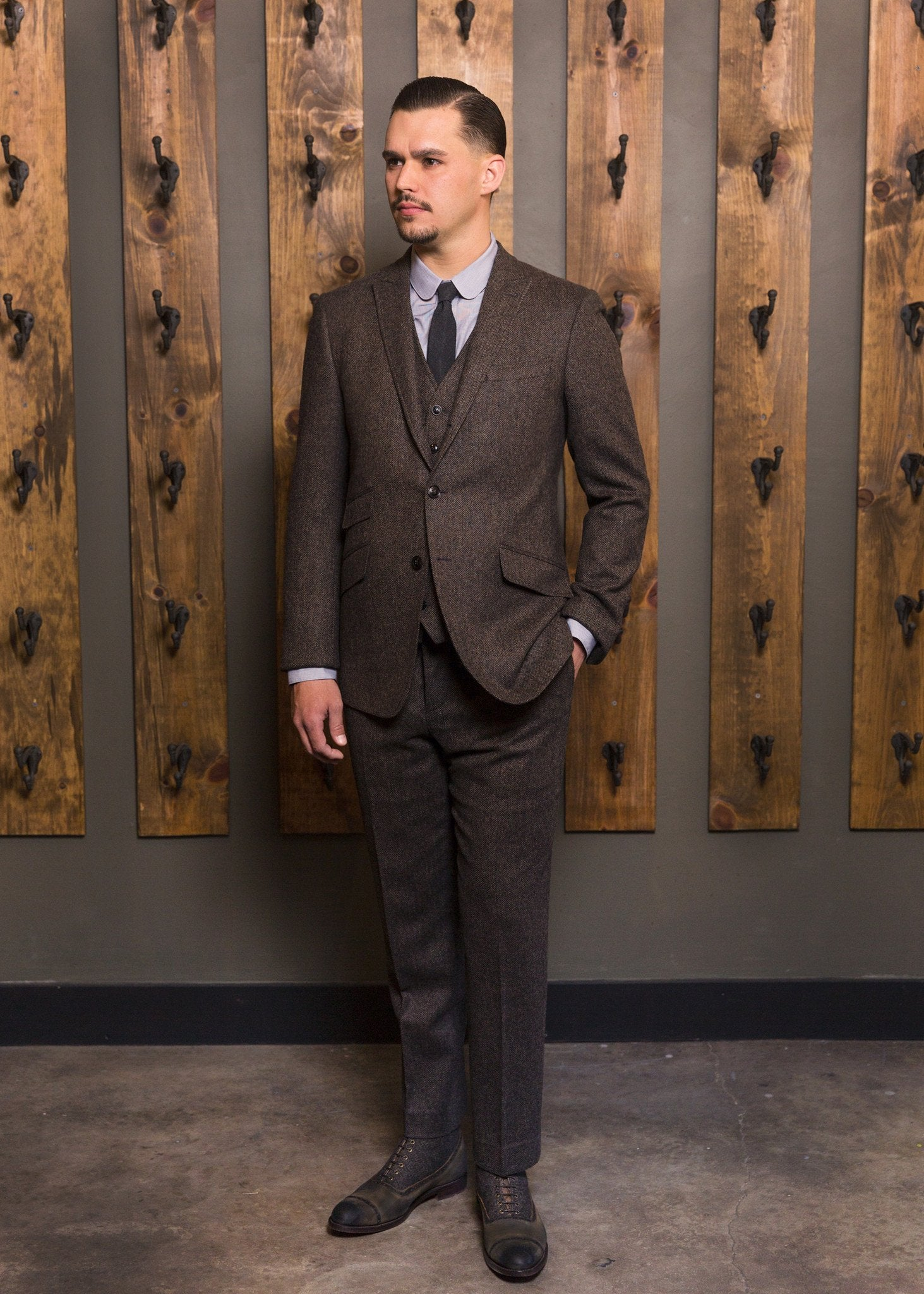 Crossley Suit-Bykowski Tailor & Garb slim fit Wool tailored fit Rustic semi peak lapel prohibition peaky blinders Made in USA heritage clothing Handcrafted Gatsby English Tweed Edwardian Dapper Classic Art Deco 1930's 1920's 1910's