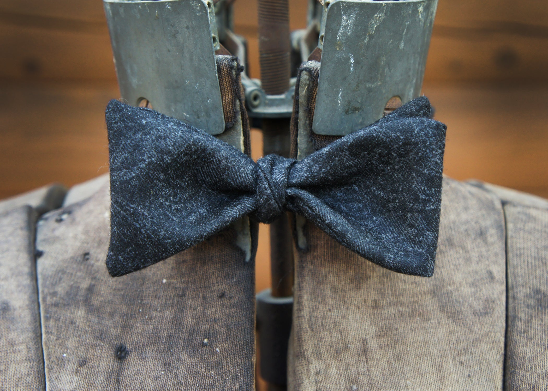 Black & Grey Damask Bowtie
