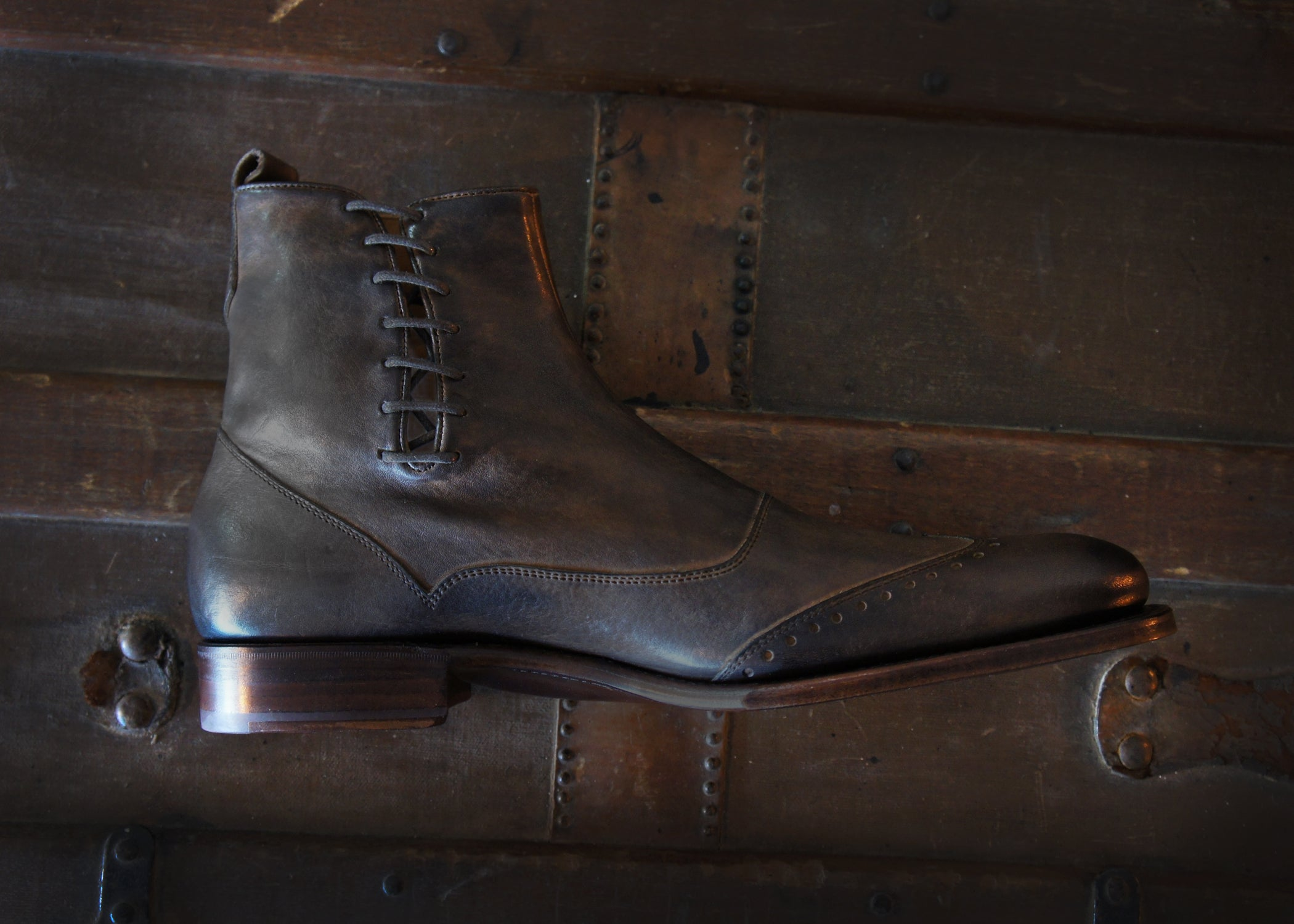 Merganser Wingtip Button Boot