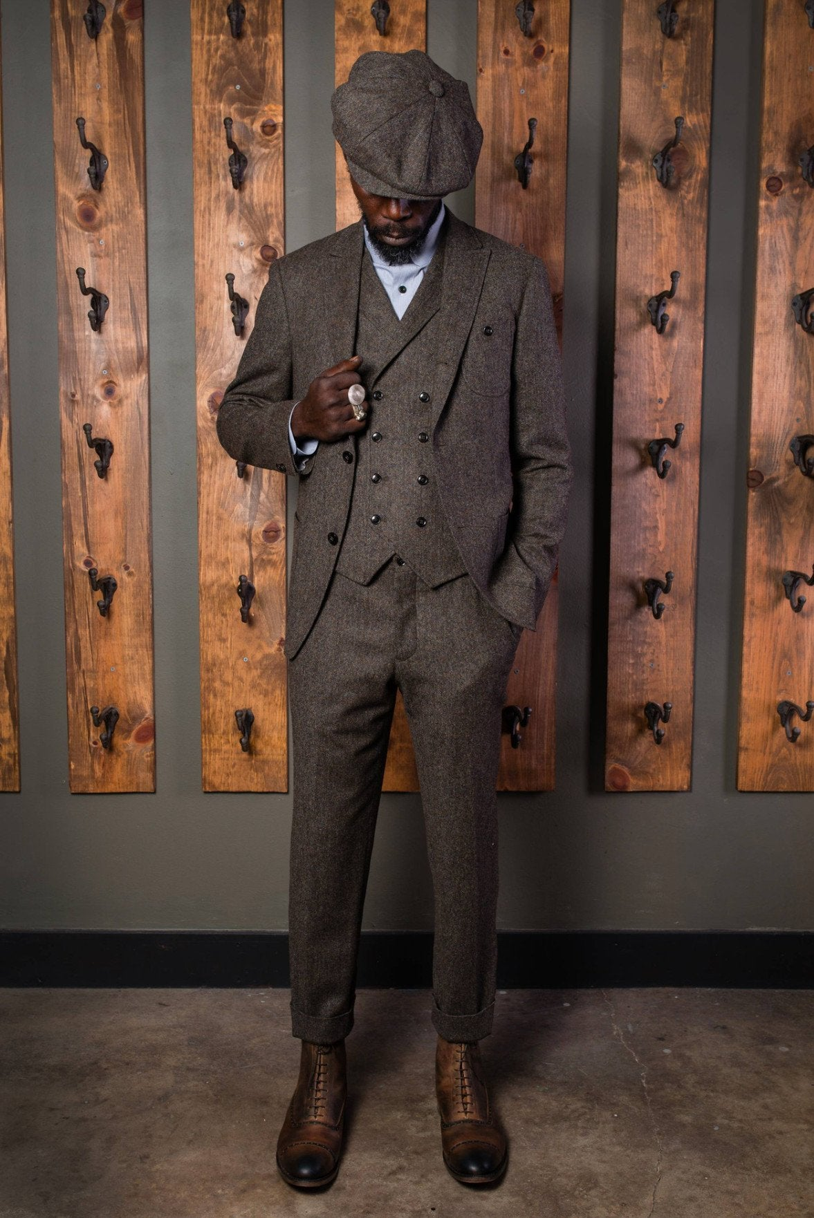 Derby Tweed Suit-Bykowski Tailor & Garb English Tweed sack coat peaky blinders prohibition semi peak lapel tailored fit slim fit Wool heritage clothing Gatsby Edwardian Dapper Classic Casual 1930's 1920's 1910's vintage inspired tweed Rustic Made in USA Handcrafted