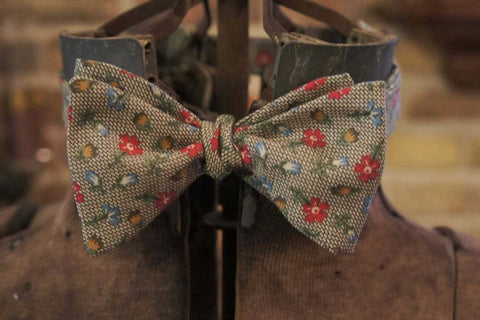 Green Scale Floral - Edwardian 1920's 1930's dandy cotton bowtie BYBT-MF0640014 1 - Bykowski Tailor & Garb
