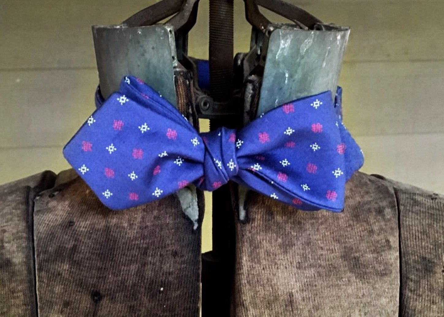Navy Red White Shapes Bowtie