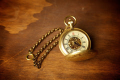Scroll Work Crosshatch with Crest Pocket Watch