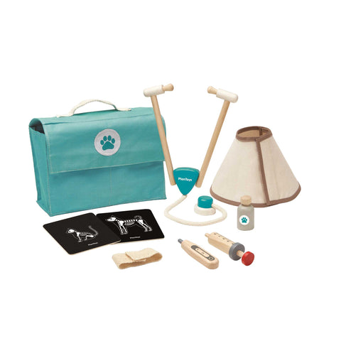 plan toys vet set with carry bag