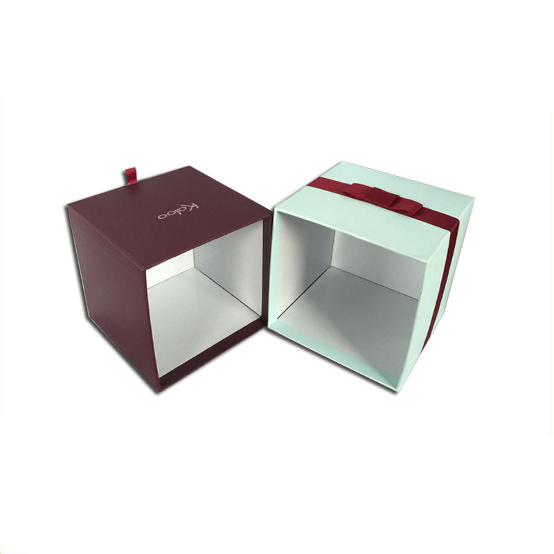 Cube Gift Box with Ribbon