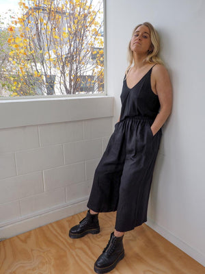 PAVEMENT BALLOON PANTS - BLACK