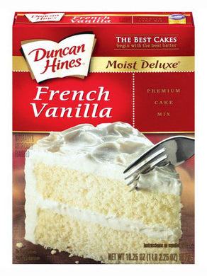 Duncan Hines Moist Deluxe French Vanilla Cake Mix (517g)