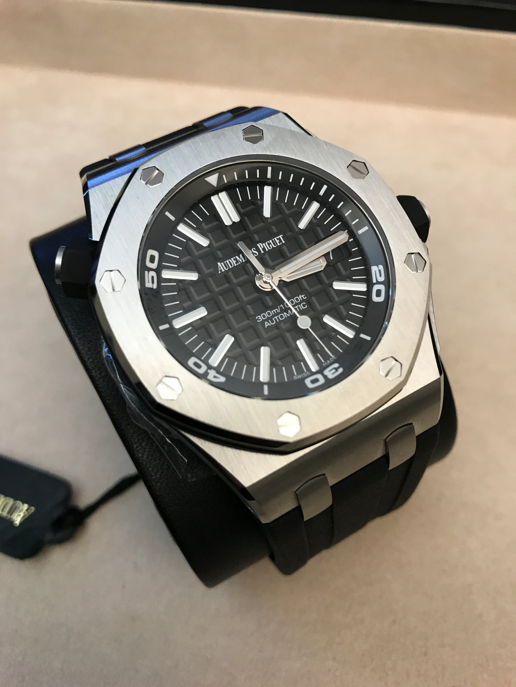 Audemars Piguet Royal Oak Offshore Diver Stainless Steel Grande Tapisserie Black Dial