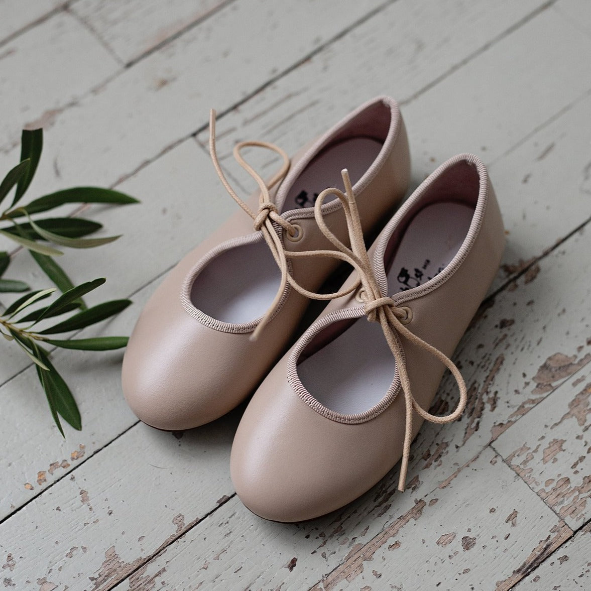 The most beautiful Mary Jane shoe design! We have made a little twist on our best seller classic Stone Mary Jane's for the spring/ summer season. Kids shoes. Girl shoes. Flower girl. Made in Spain. Wholesale.