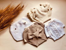 Adorable baby frill bloomers, knitted in Ecru with 100% of the softest cotton.