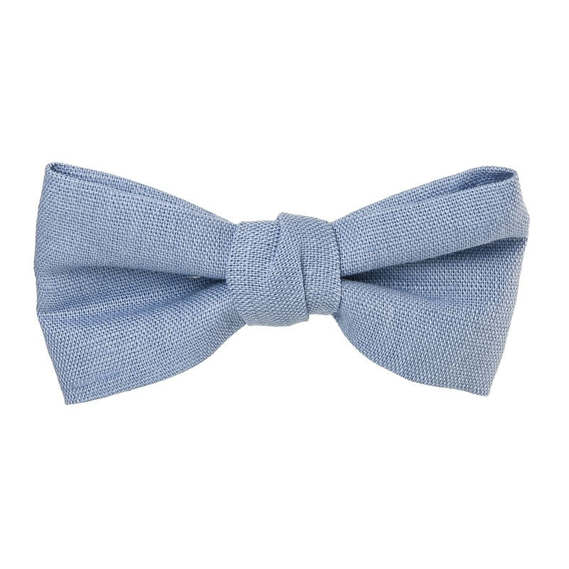 Beautiful and classic Linen bow in an alligator hair clip. This bow adds a perfect touch to any outfit! Timeless design a must have! Handmade in Spain . Olivia Ann Wholesale Accessories.