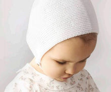 Knitted Bonnet in White
